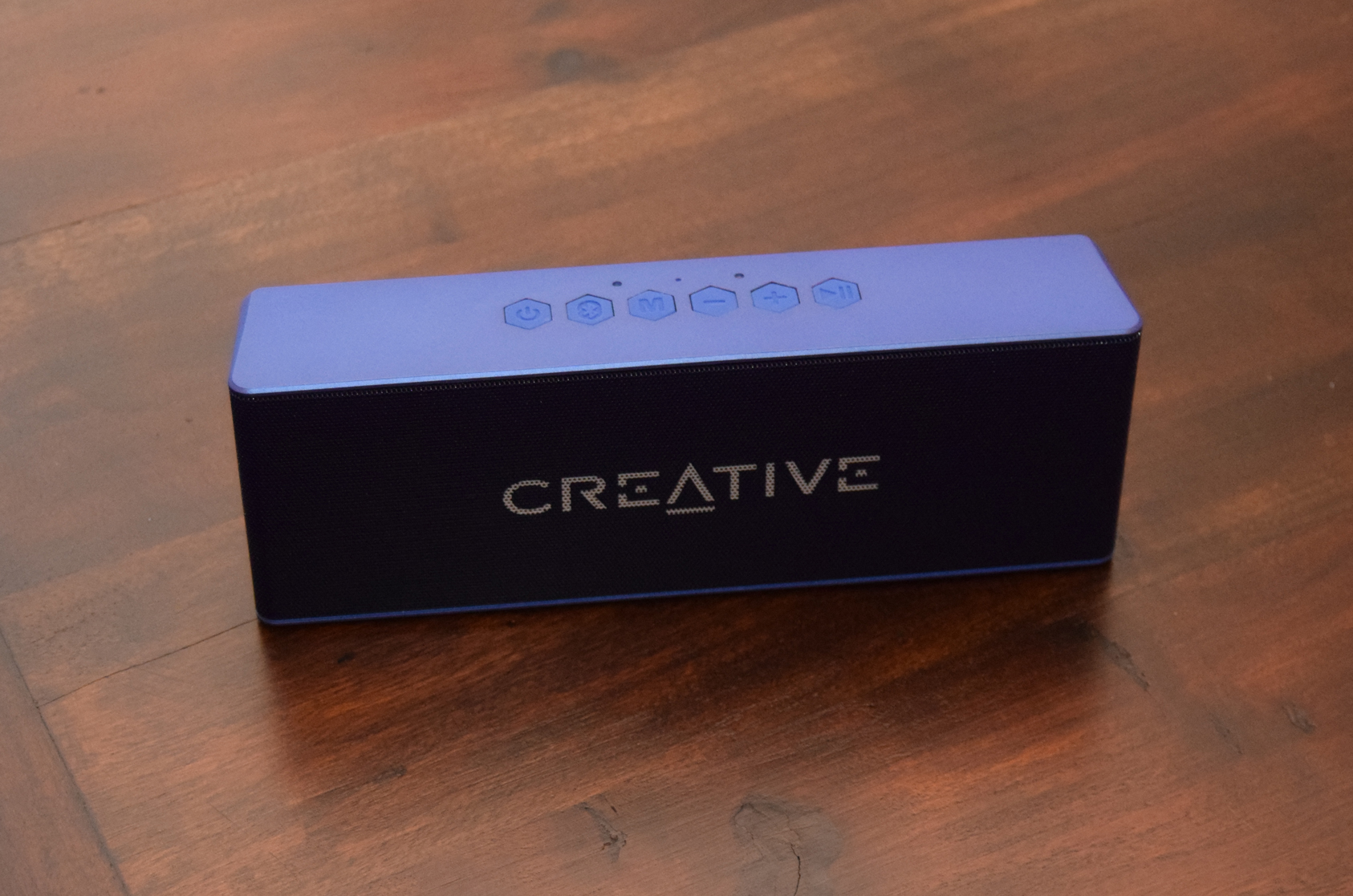 Creative Muvo 2 Bluetooth Speaker review Controls